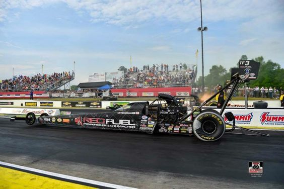 Spencer Massy & Crew in the Red Fuel T/F Dragster at the Texas Motorplex