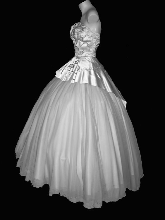 """Fluffy for me but I love the tulle. Dress from """"Here Comes the Groom"""" featuring Bing Crosby & Jane Wyman from 1951"""
