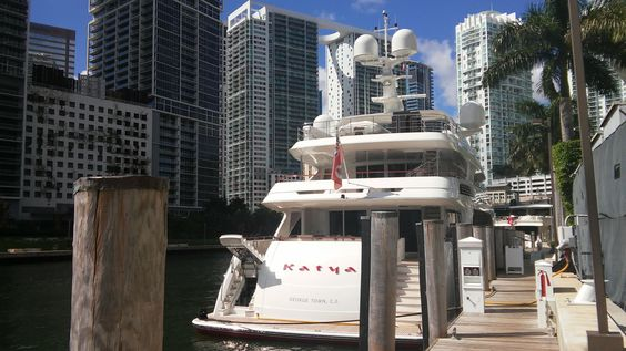Distributing Yachting Pages at Epic Marina in Florida. #yachtingpages #distribution #EpicMarina