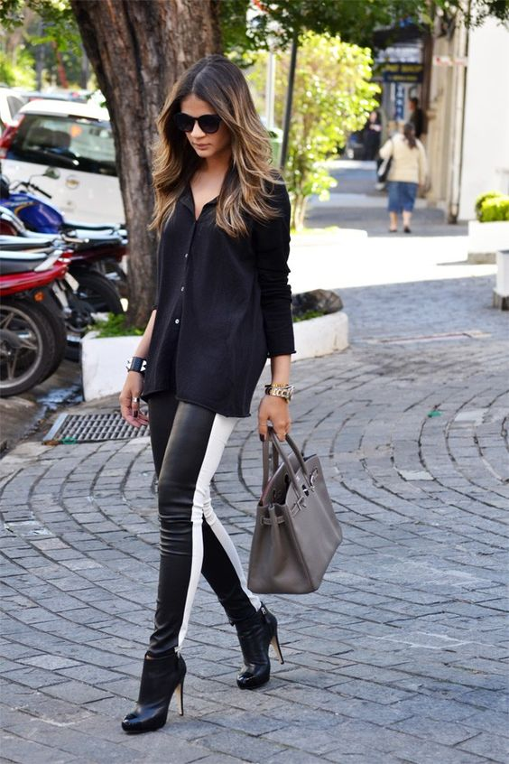 Black Pants - Thassia Naves