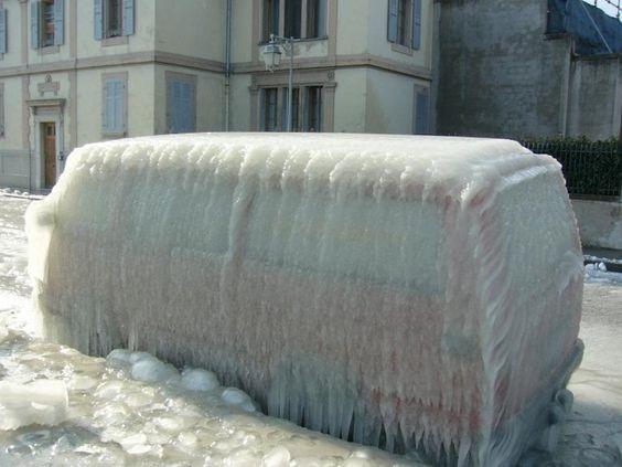 camion #voiture #automobile #givre #hiver #froid #polaire #glace #glaciale #winter #ice #quartierdesjantes Quartierdesjantes.COM