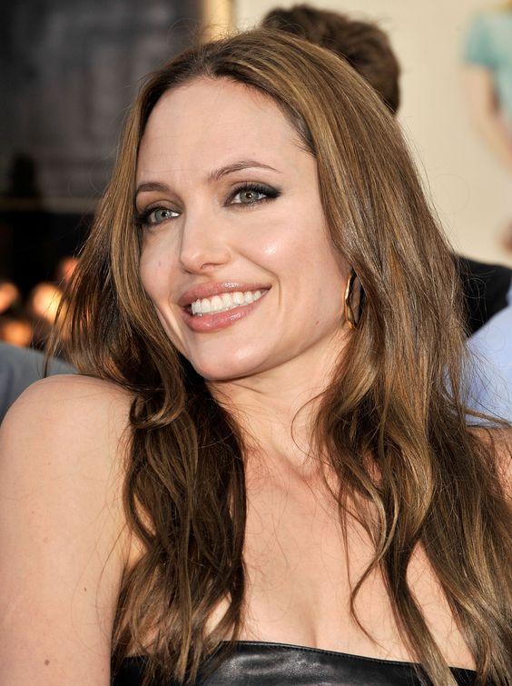 Angelina Jolie - Premiere Of Weinstein Co. Inglourious Basterds - Photo 84