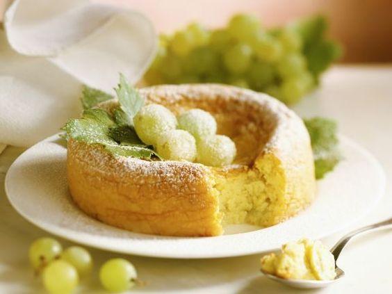 Kuchen mit Weintrauben ist ein Rezept mit frischen Zutaten aus der Kategorie Obstkuchen. Probieren Sie dieses und weitere Rezepte von EAT SMARTER!