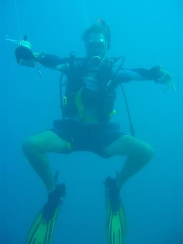 Diver, Fiji | Dive, travel and volunteer for Marine Conservation at www.frontiergap.com | #dive