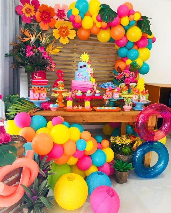 Para Quienes Amamos Los Colores Alegres Algunas Ideas Hermosas De Decoracion Para Fiestas Pool Birthday Party Flamingo Birthday Party Tropical Birthday Party