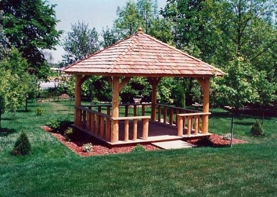 gazebo kayu minimalis