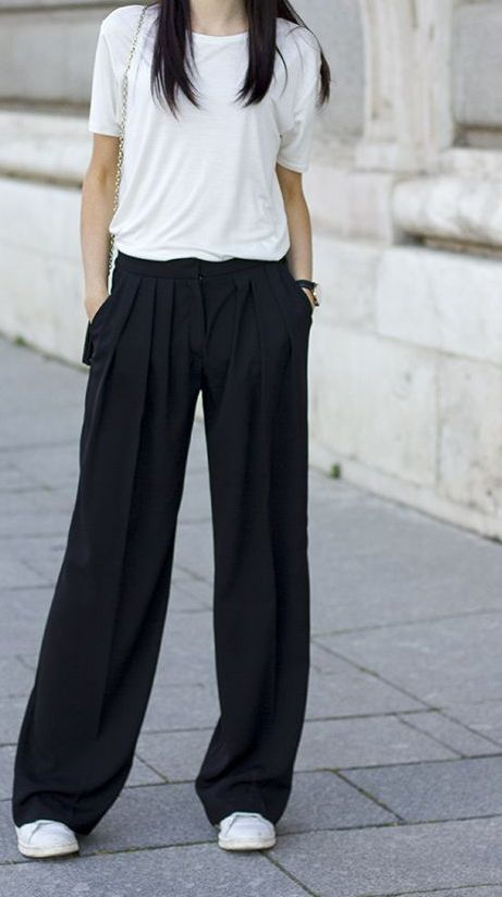 I just adore this pair of palazzo pants. This palazzo pants go well with all my tops and blouses and shirts. Best List of amazing list of Palazzo Pants Outfit for Work,Summer ,Formal,Fall,Elegant,Casual,Striped Occasion. High Waisted Palazzo Pants