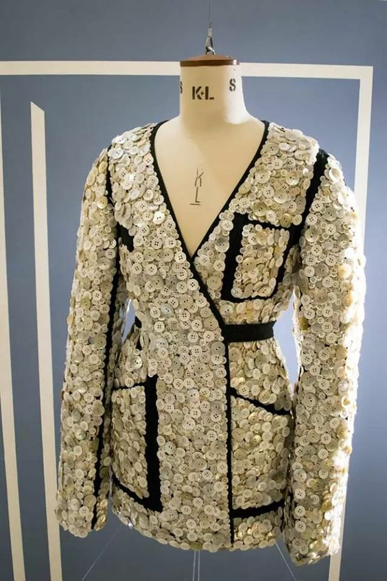 Button-embellished jacket S/S 2012  Maison Martin Margiela #jacket #button #maisonmartinmargiela #mmm #mm6 #couture