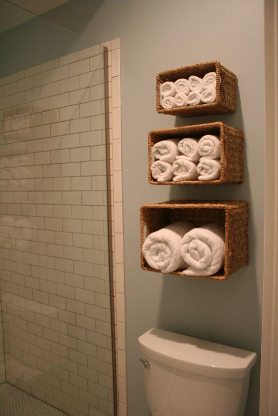 Bathroom storage....  LOVE THIS!!!!!