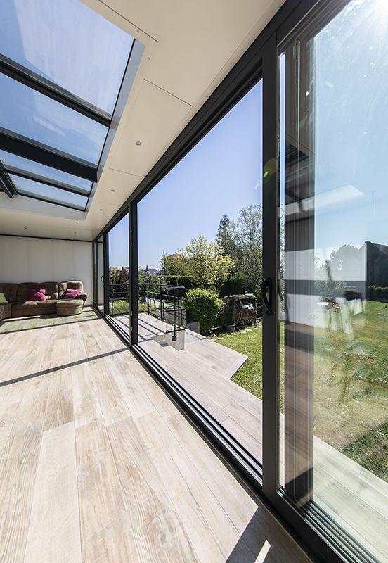 Veranda Gamme Kontemporaine Realisation 6 Soko En 2020 Veranda Contemporaine Refaire Maison Amenagement Jardin Terrasse Piscine