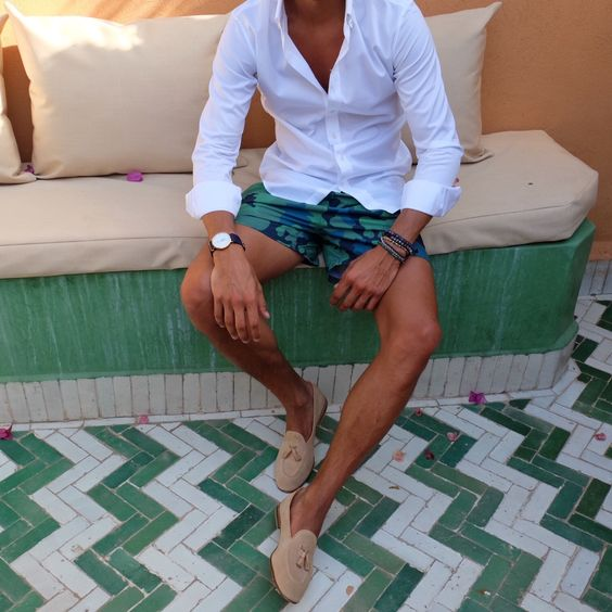 Pool side Attire.  Full details of my outfit on the Blog www.louisnicolasdarbon.freshnet.com: