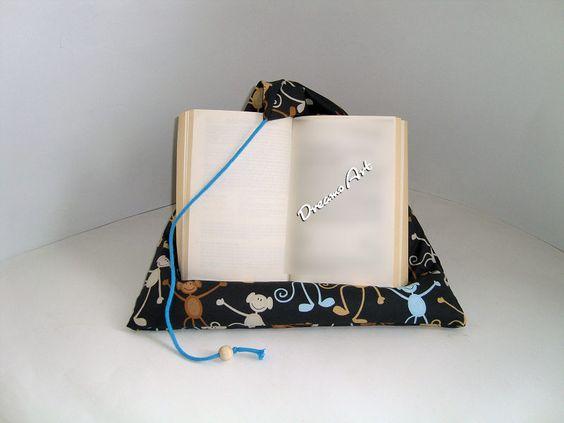 Kissen - Lesekissen , Buchkissen, Tabletstütze Affenbande - ein Designerstück von Dreams-Art bei DaWanda