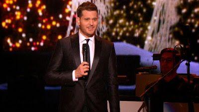 """cotibluemos: Ariana Grande y Michael Buble con  """"Santa Claus Is..."""