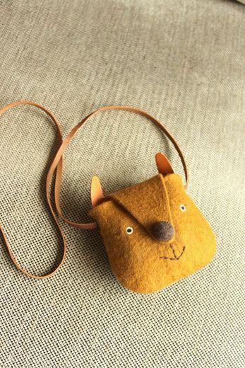 Felt kitty bag: