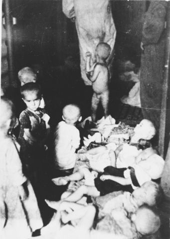 WWII. - 1942. - Croatia / NDH - Sisak - Emaciated children at concentration camp