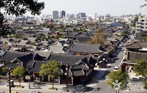 Ngôi làng nhỏ ở Jeonju với kiến trúc cổ xưa thu hút nhiều khách du lịch.