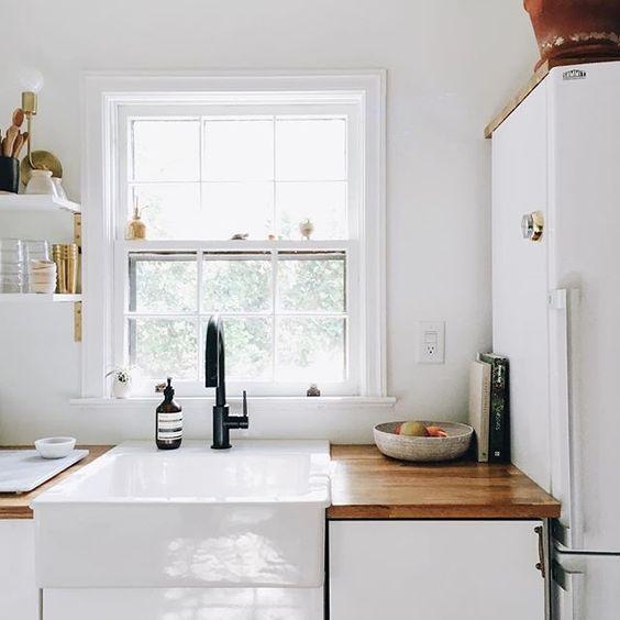 casa del caso: coup de coeur   Ayla Gurganus - Soulflowers  #kitchen #white