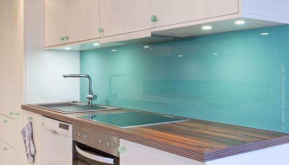 moderne küche wandgestaltung glas spritzschutz hell mintgrün - kuchenwandgestaltung ideen fliesen glas
