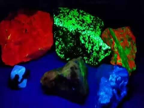 Fluorescent Minerals Fluorescent Rocks Rocks And Minerals Ultraviolet Lamps Fluorescence Fluorescent Lamps Ultraviolet Lamp Ultra Violet Science Projects