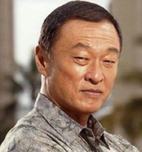 Cary Hiroyuki Tagawa as Mr Wong