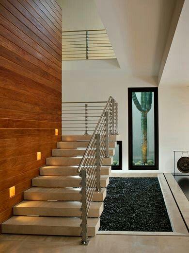 black and brown escalera moderna