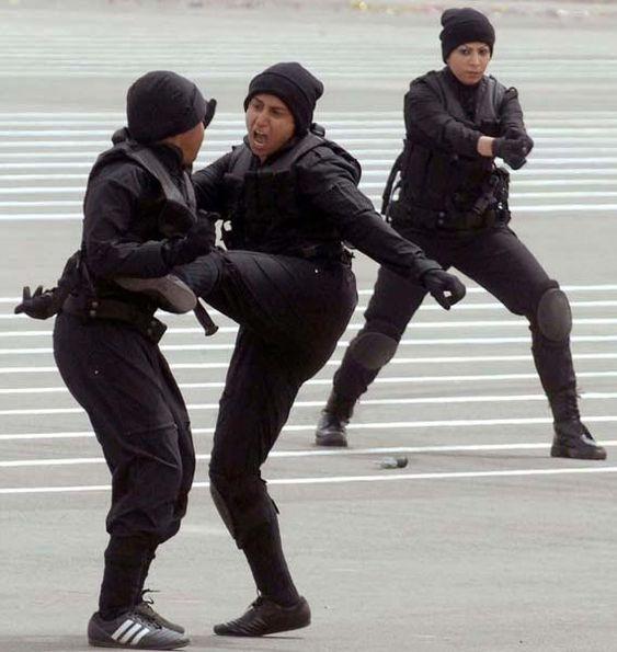 クウェートの女性警察官