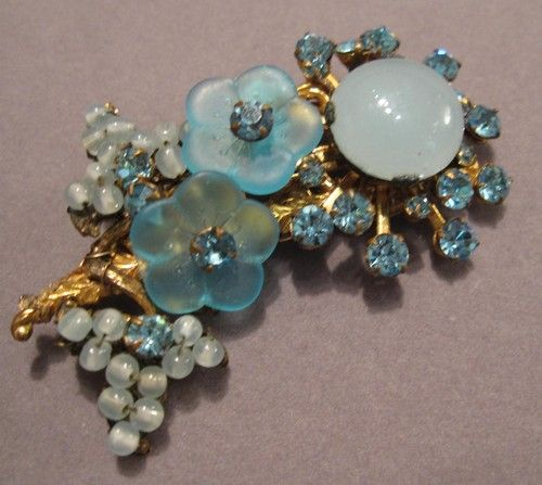MIRIAM HASKELL 1950s Blue Frosted Glass Flower Pin