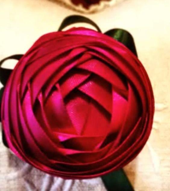 con cinta de raso: Flor De, Cintas Y Flores, Flores Varios, Flower Tutorials, Satin, Flores Lazos, Flowers