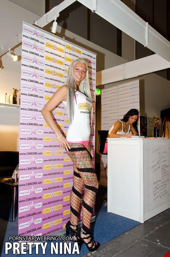 animated-pornstar-gif:  Deutsche Amateur Pornodarstellerin PRETTY NINA Blonde Haare, große feste Titten und immer geil, das ist der Deutsche  Amateur Pornostar Pretty Nina. Es warten absolute Hammer Videos und Foto  Gallerien auf Dich ! http://pornstar-webrings.com/germany/deutsche-amateur-pornodarstellerin-pretty-nina_i4477