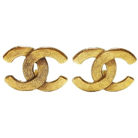 Pre-owned Chanel Cc Logo 2 9 Clip-on Earrings Goldtone ($424) ❤ liked on Polyvore featuring jewelry, earrings, accessories, gold, pre owned jewelry, clip back earrings, gold earrings, chanel earrings and gold tone earrings