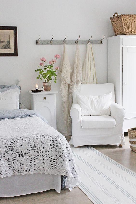 VIBEKE DESIGN: Gorgeous white on white farmhouse bedroom.