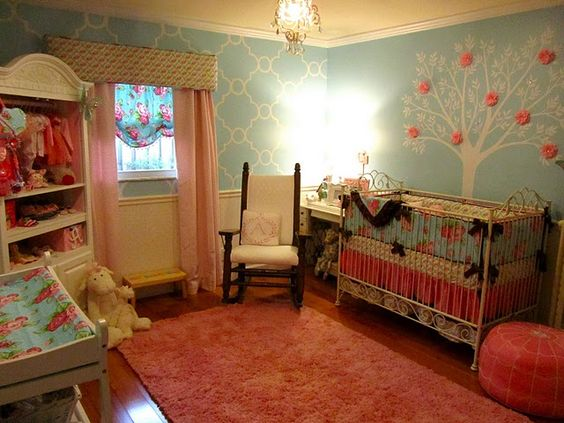 Vintage look for baby girl room