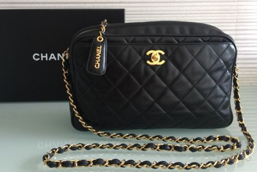 Auth Vintage Chanel 10 75 Med Lrg Black Quilted Lambskin Gold Chain Camera Bag Bags Chanel Vintage Chanel