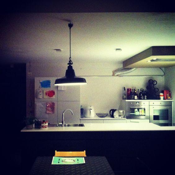 Keuken zwart wit #contrast #interieur #kvik verlichting #zangra ...