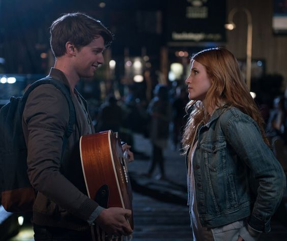 'Midnight Sun' New Clip Finds Bella Thorne Singing to a Gathering Crowd