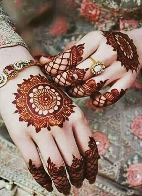 Customized Mehndi design
