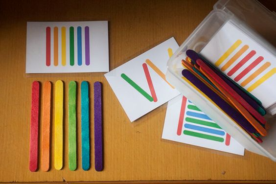 pattern busy bag with colored popsicle sticks - free printable cards: