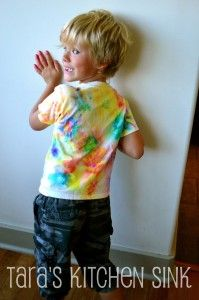 Camp Mom: Tie Dye with Markers