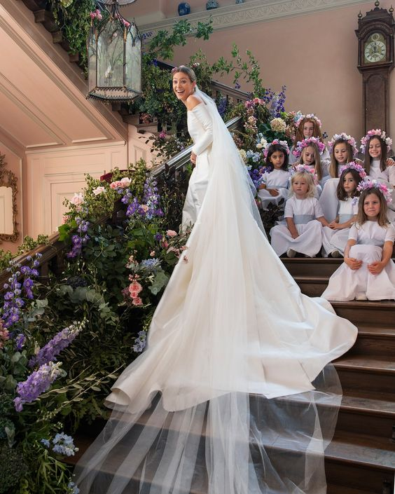 The Bride Wore Emilia Wickstead to Her English Wedding at an 18th-Century Estate - Vogue