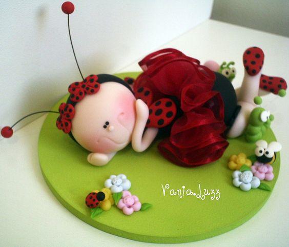 + um topo de bolo Joaninha Lulu by Sonho Doce Biscuit *Vania.Luzz*, via Flickr