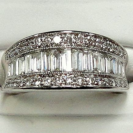 Anniversary Band. ------- I love love love this ring... My dream wedding band...