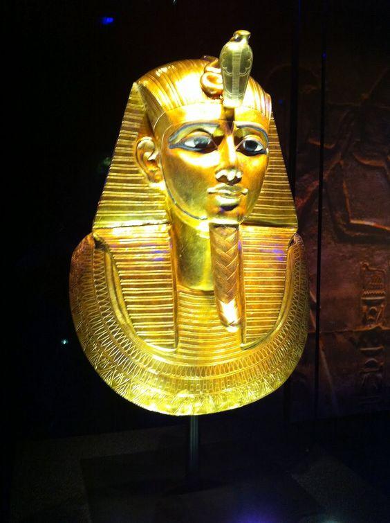 Тутанхамон и эрогированный член