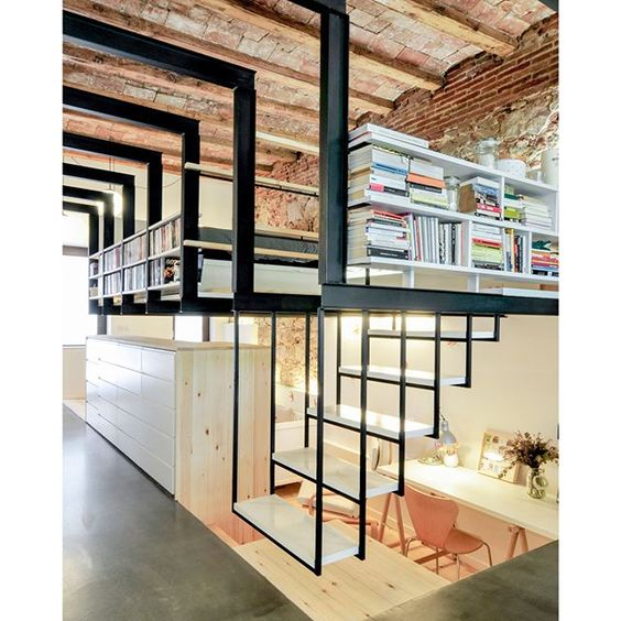 """Patio-House In Gracia #Barcelona #Spain designed by Carles Enrich ///Casa en Gracia diseñada por Carles Enrich. #España  Tag an Interior Lover! #d_signers"" Photo taken by @d.signers on Instagram, pinned via the InstaPin iOS App! http://www.instapinapp.com (04/02/2016)"