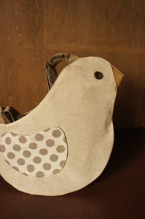 Vogel  (独) 鳥 鳥さんのバッグシリーズこちらは ショルダーバッグ 斜めがけにもできます。。両面 ドット模様の羽根型のポケットスマホが入るくらいの小さ...|ハンドメイド、手作り、手仕事品の通販・販売・購入ならCreema。