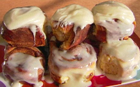 Overnight cinnamon rolls by Alton Brown (Cheese) @FoodNetwork_UK