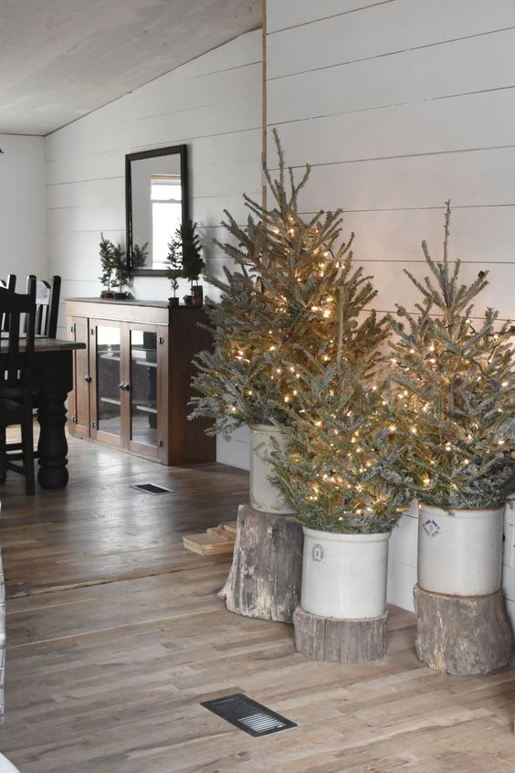 Simple Rustic Farmhouse Christmas Decorating Ideas