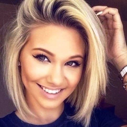 Short Neck Round Face Hairstyle In 2020 Round Face Haircuts Short Hair Styles For Round Faces Short Hair Styles