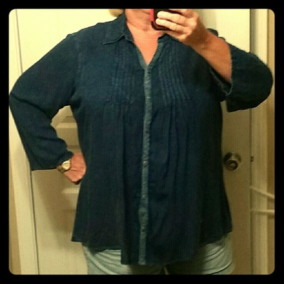 Jean smock top Very nice, comfortable, fairly light weight dark denim smock top. Special, almost lacy detailing on the button ups. Like new condition NorthStyle Tops