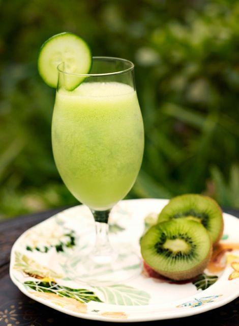 Avocado and cucumber smoothie