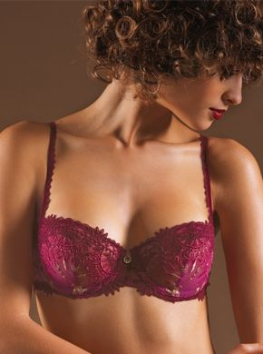 """Africa Fashion"" by Chantelle. Sexy cut, uplift effect for round breasts. Mounted on base for greater comfort and support. Soft cup. Coverage very low cut."
